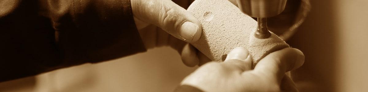 廃ガラスから生まれた次世代素材【スーパーソル】を活用した「呼吸する石」がテーマのプロダクト開発